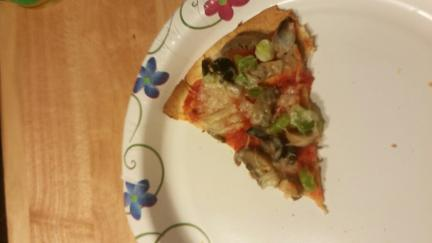 PIZZA LOW CALORIE USING BURRITO SHELL
