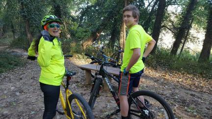 MaMarna w Eli at Castlewood Trails 2017-10-29